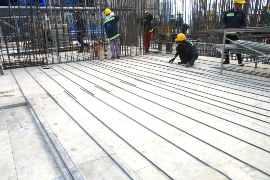 Installating rebar at level 18 slab