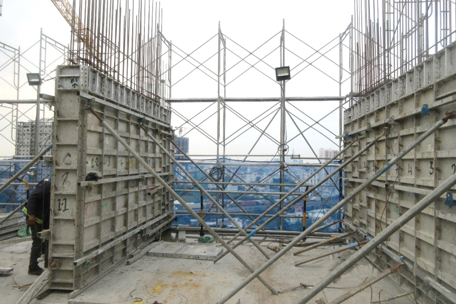 Constructing shear wall up to level 18